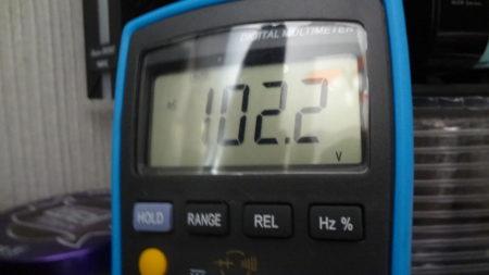 アース配線 電圧